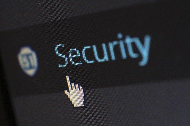 kurzor mířící na nápis security